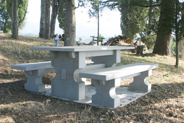 A nannini fiesole arredi per esterni in pietra tavolo in pietra serena - Tavolo in pietra giardino ...